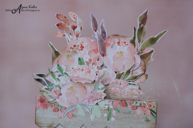 kwiaty wyciete z papieru do scrapbookingu