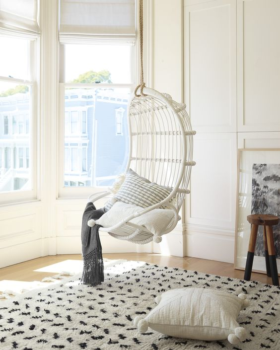 Fun and Flirty White Hanging Chairs For Your Teen\'s Bedroom ...