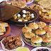مائدة افطار مغربية متنوعة وغنية طاجين بالدجاج والبصلة قنينطات بالخضار والحوت