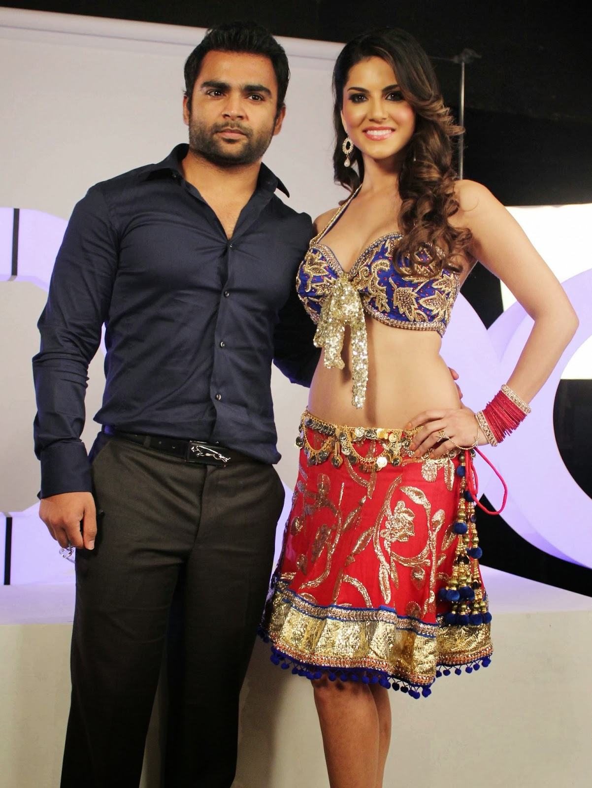 Sunny Leone Super Sexy Skin Show In A Short Ghagra And -8164