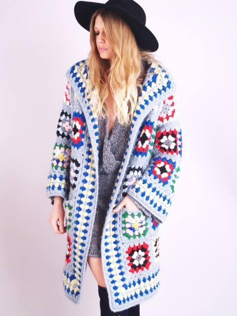 sweter z kwadratów babuni szydelkiem