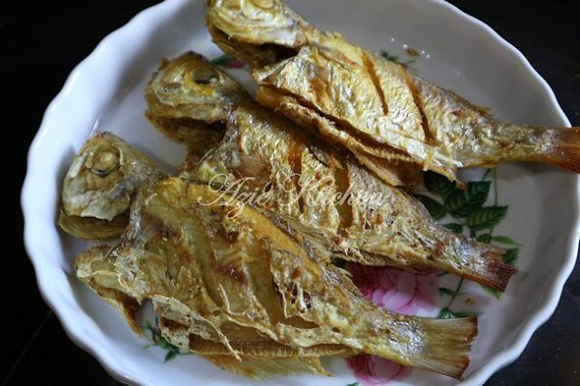 Ikan Goreng Garam Kunyit Yang Sangat Sedap