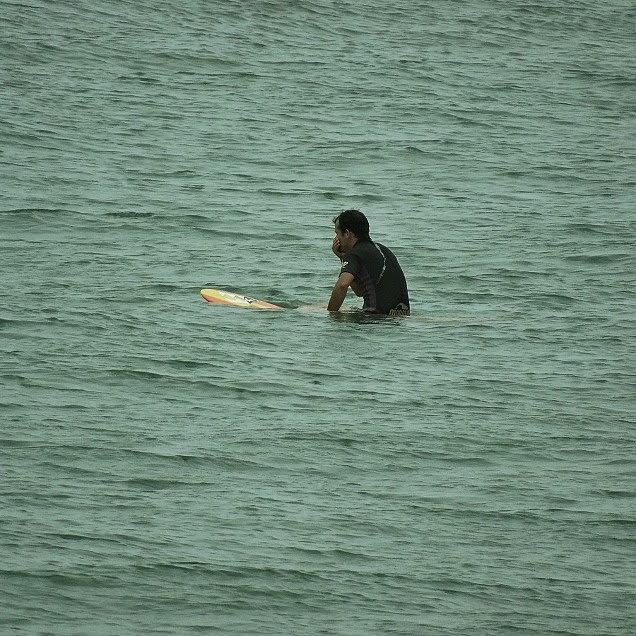 Surfista na Praia da Ilhota, Itapema