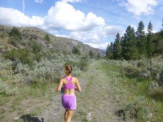 Trail running at Carter Mountain