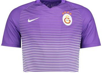 Este es el nueva tercera camisetas Galatasaray SK 2016 17 por Nike. 892bb704c9f22