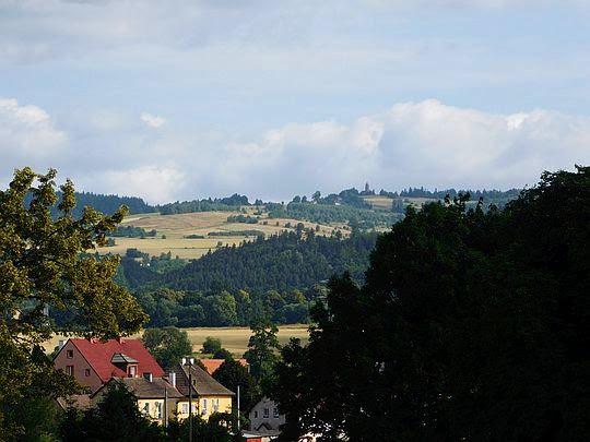 Przed nami Ścinawka Średnia (niem. Mittelsteine).