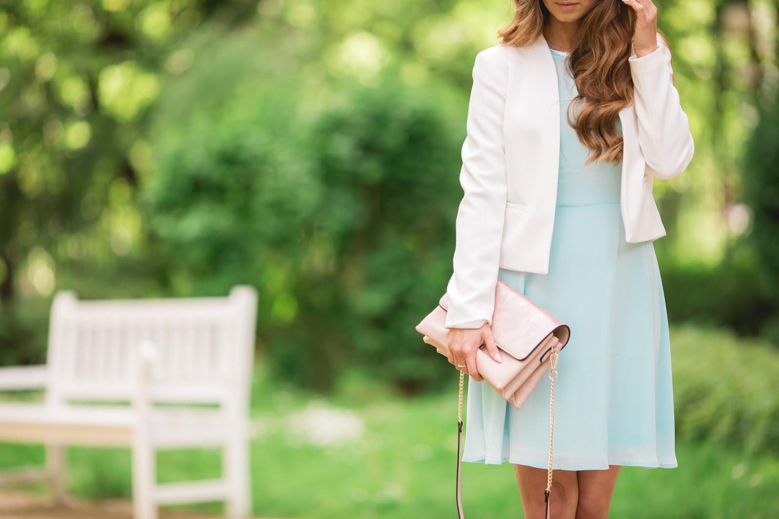 Stylizacja Na Wesele Blekitna Sukienka I Dodatki W Odcieniu Rozowego Zlota Styloly Blog By Aleksandra Marzeda