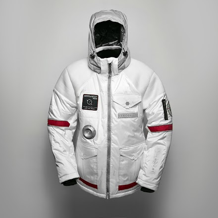 Die Spacelife JACKE -  be set for intergalactic travel well before anybody else in the world | Luxus Fashion ( 15 Bilder )