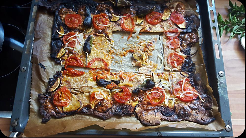 Der Versuch eines Flammkuchens mit Dinkelteig und andere Dilemma | Arthurs Tochter Kocht von Astrid Paul