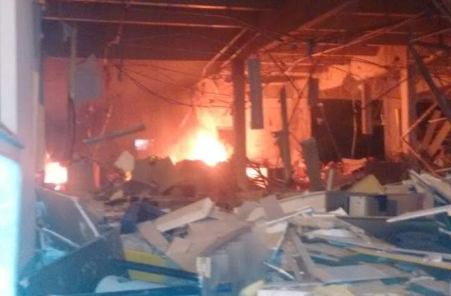 AÇÃO OUSADA: 20 homens explodem e incendeiam agência do Banco do Brasil em Lavras da Mangabeira