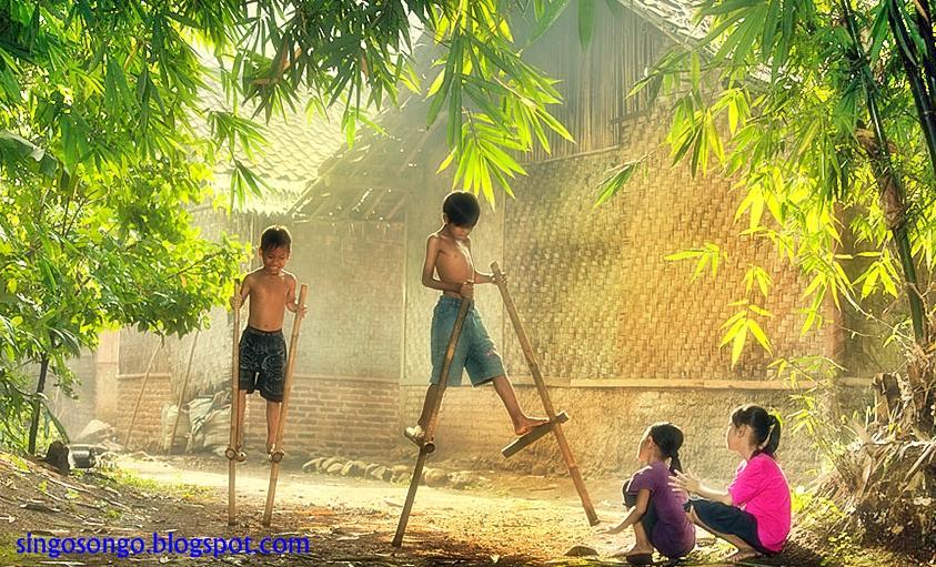 permainan tradisional indonesia anak jaman dulu egrang