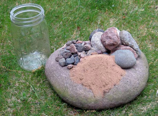 Stones, pebbles and sand