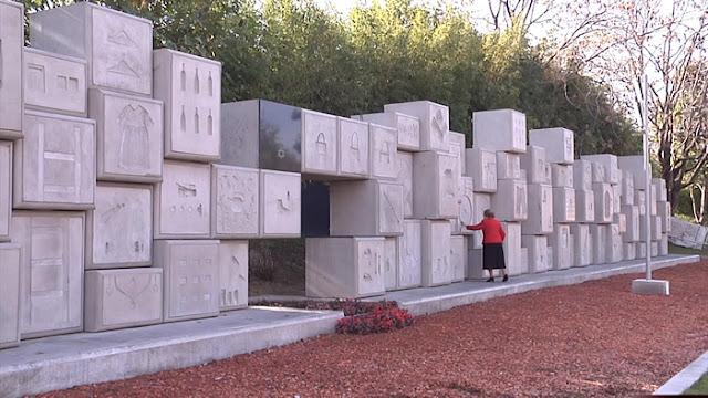 Monumento, la Humanidad Detrás del Concreto - Documental Estreno