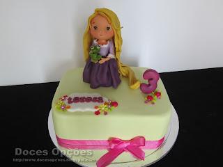 Bolo de aniversário com a Rapunzel