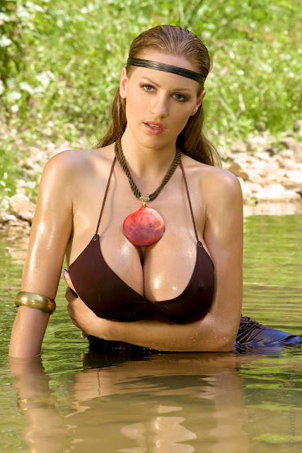 Jordan-Carver-Pocahontas-sexy-and-hot-photo-HD