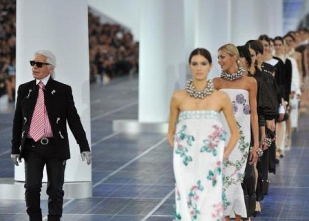 e13065fc0153 O Karl Lagerfeld μιλάει για τη συλλογή Chanel Άνοιξη- Καλοκαίρι 2013!