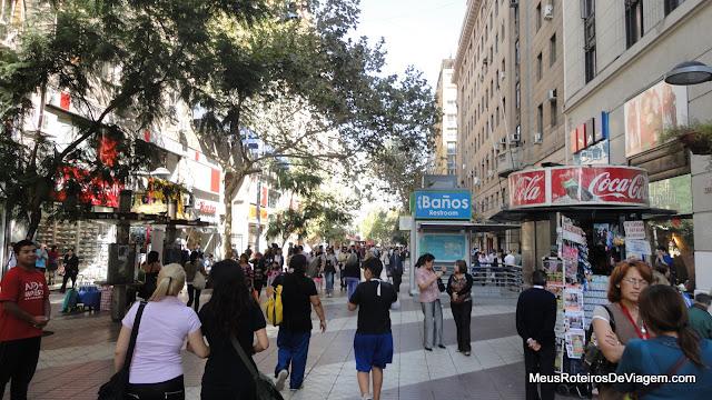 Rua de compras Paseo Ahumada - Santiago, Chile