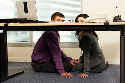 Mujeres infieles con un compañero de trabajo