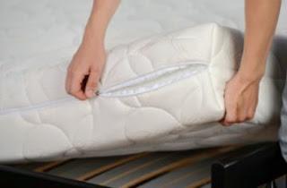 Solusi cara membersihkan spring bed dan kasur