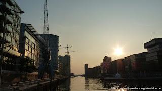 HafenCity in Hamburg am Abend