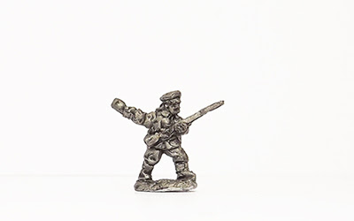 ME37   German Asia Korp, throwing grenade (10)