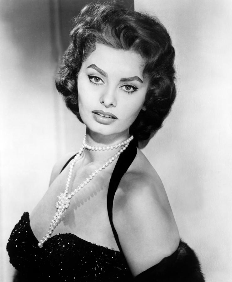 Surprising Sophia Loren Fashion Icon Of The World One Style At A Time Hairstyle Inspiration Daily Dogsangcom