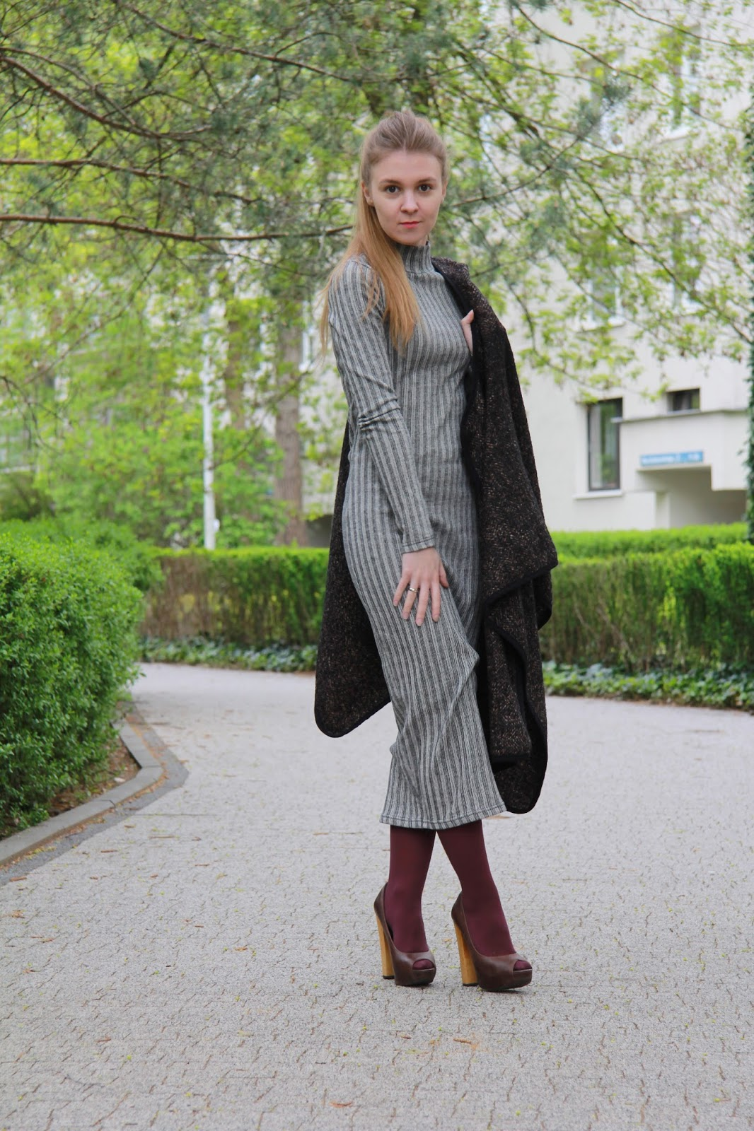 sukienka maxi i ponczo