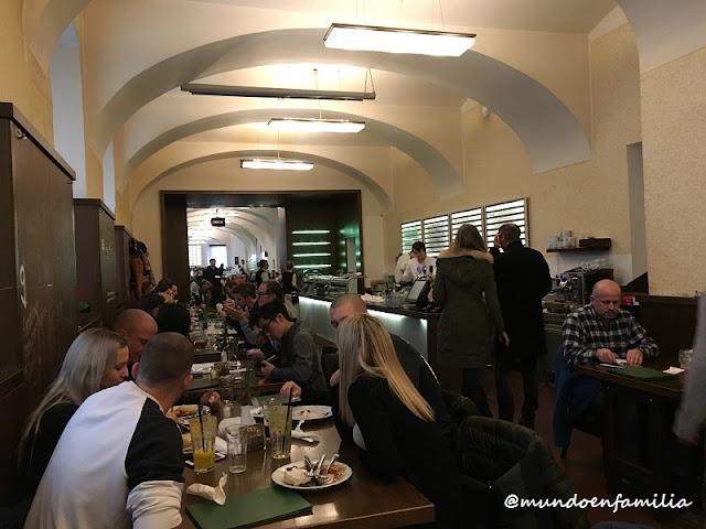 Restaurante Lokál Dlouhááá