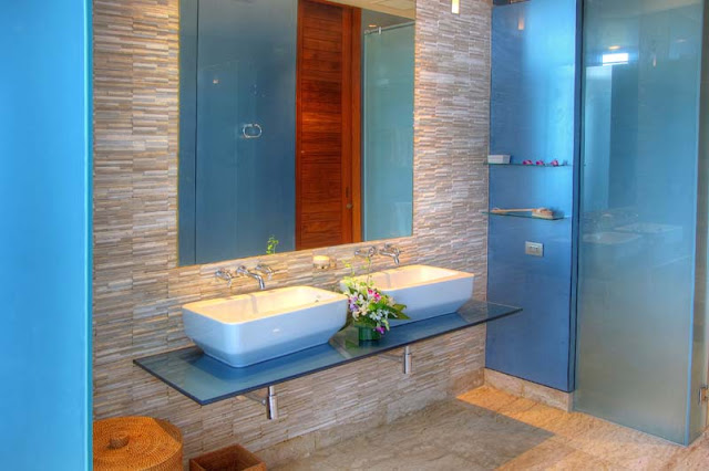 Blue wall modern bathroom