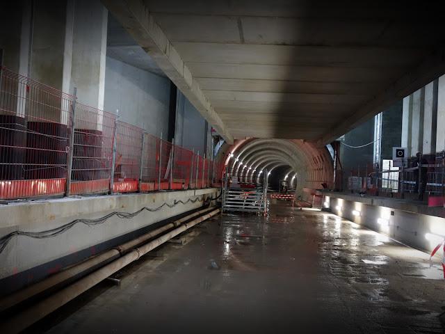 """Et là, arrivé au bout du parcours du jour : les quais de la station """"Sainte-Anne""""..."""