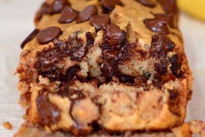Healthy Banana Bread {With Chocolate Chips}