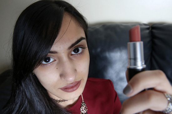 Gambar Zahra Sadiq - Remaja Kena Halau Sebab Solekan Tebal
