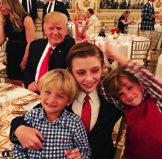 Um estranho estragou a foto dessas crianças
