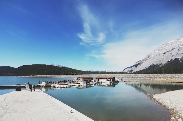 Lake Minnewanka, Banff National Park, Alberta, Canada