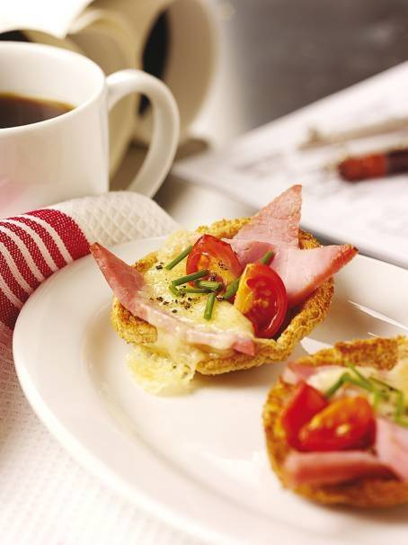 Cheese, Ham and Tomato Croustades: Party Food