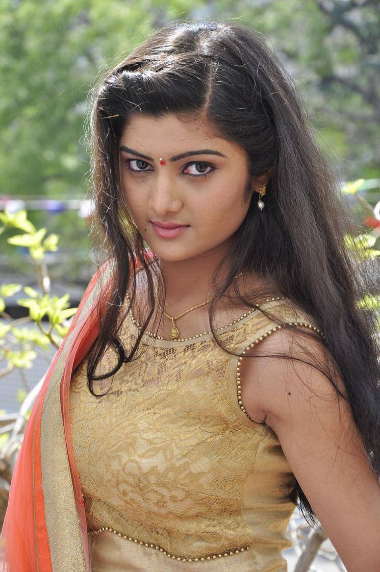 Global Pictures Gallery: Pallavi Naidu Latest Hot
