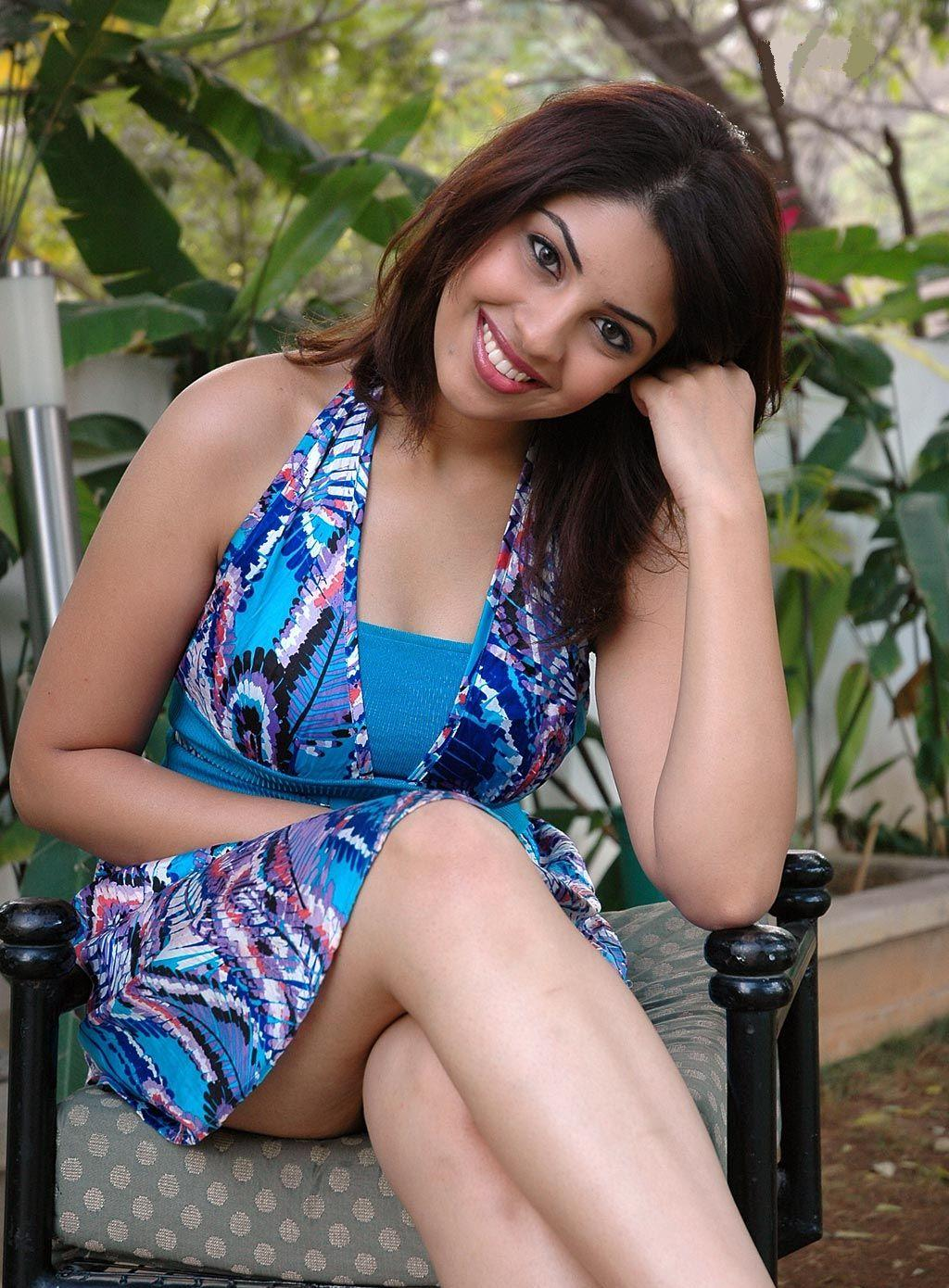 High Quality Bollywood Celebrity Pictures: Richa ...