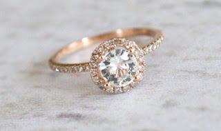 đá sapphire trắng