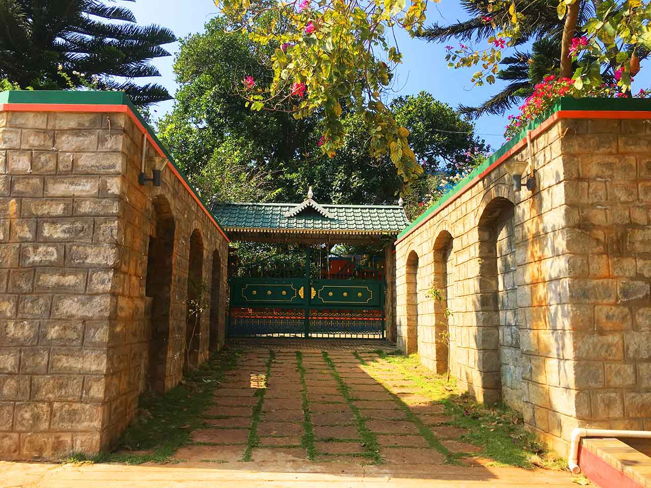 yelagiri hills silver stone villa