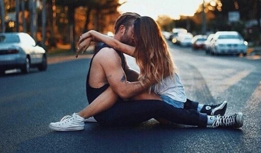Resultado de imagen para tomarse fotos con tu novio