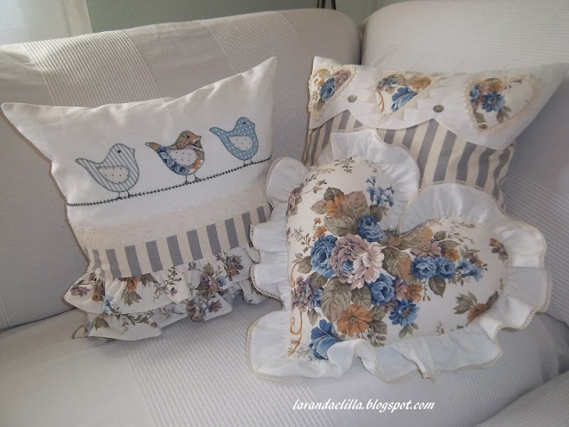 Lavanda e lill nuovi cuscini e quinto quadrato della for Divano quadrato