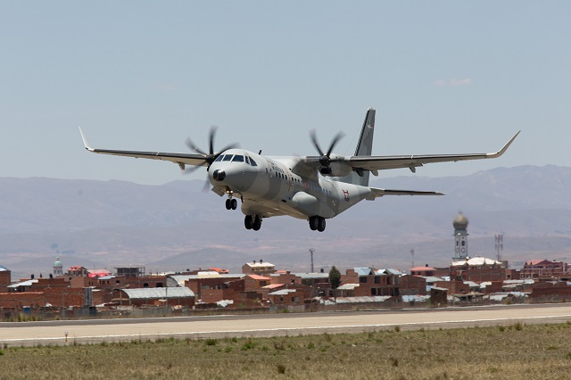 El Airbus Defense and Space C295W se estrena en El Alto