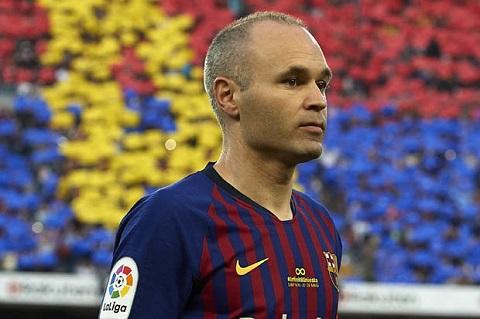 Barca sẽ gặp khó khăn nếu cả Busquets và Andres Iniesta rời đi.
