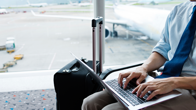 What to Look for In A Travel Laptop