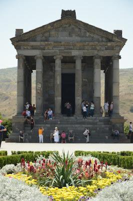 Imagen del templo de Garni