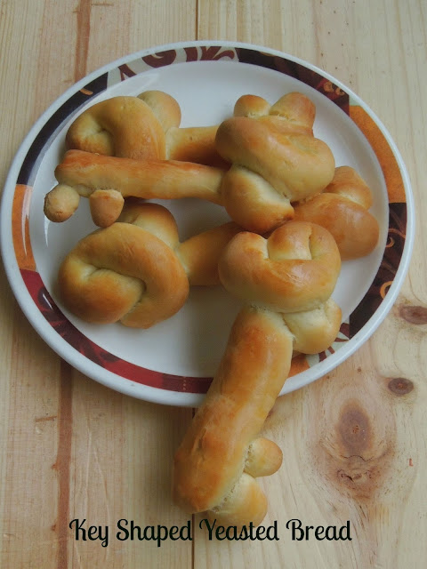 Eggless Key Shaped Yeasted Bread