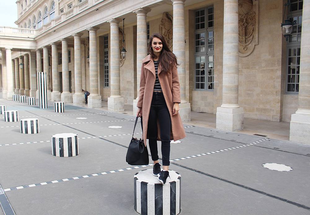 peexo fashion blogger in palais royal paris