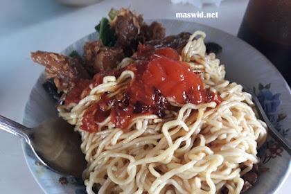 Mie Ayam Ceker Sukabumi Tempatnya Asri Dan Enak