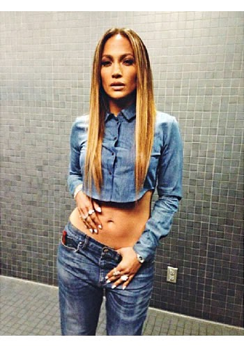 Jennifer lopez has a Tiny Waist