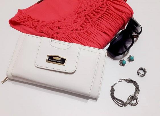 beyaz küçük çanta